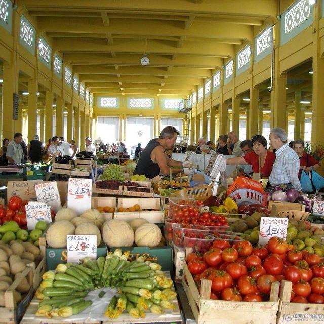 19  market[1]