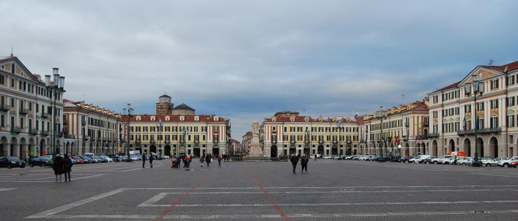 12 Cuneo piazza Galimberti