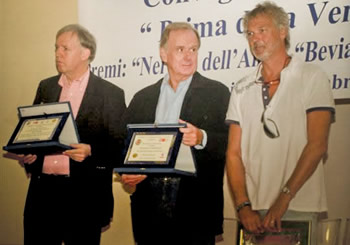 The award receved 09 September 2009 in Neive (Piemonte) for the book about Piemonte. Right on the photo: Signor Giovanni Cobolli Gigli (President of Juventus), and the best keeper of the Italian Serie A