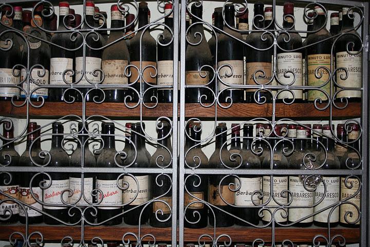 Wijn achter slot en grendel